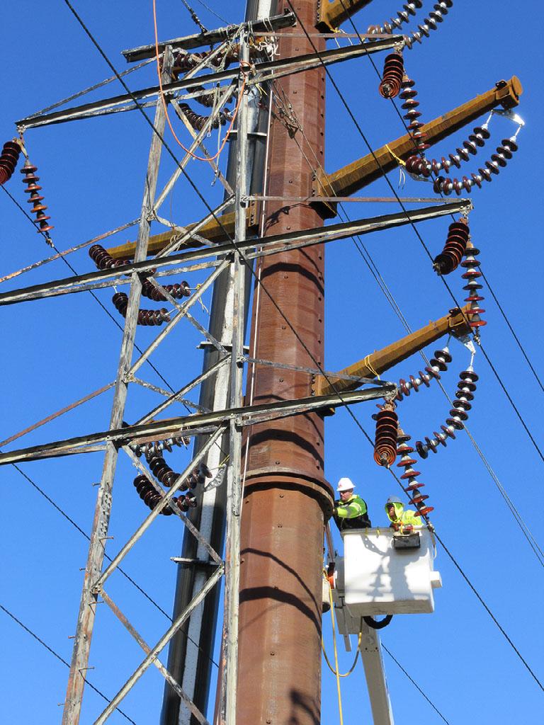 Neat outside lineman single-pole